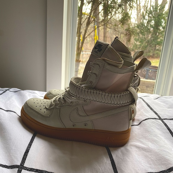 nike air forces size 6.5